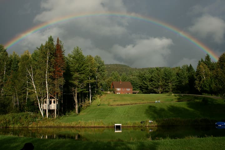 Somewhere Under The Rainbow - East Burke - Departamento