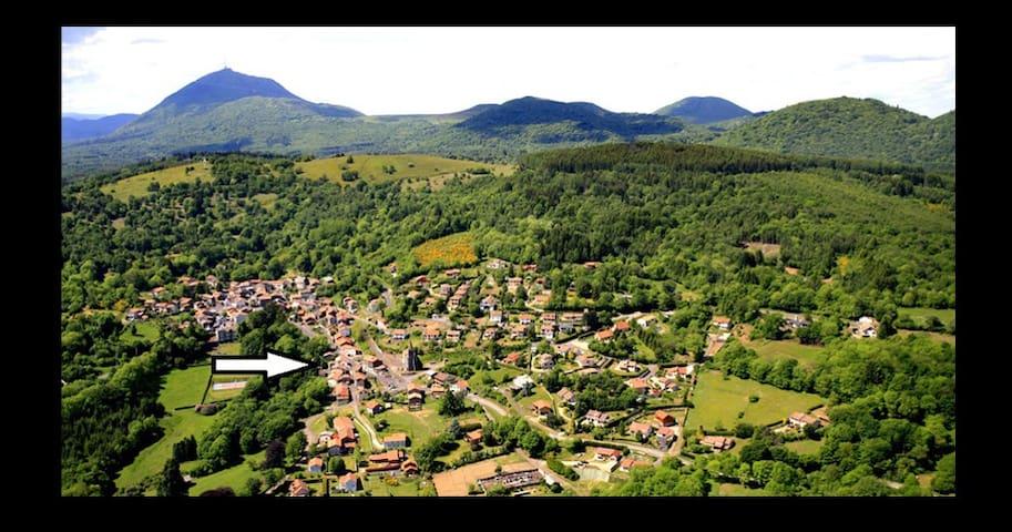 entre le Puy de Dôme et Vulcania - Orcines - Hus