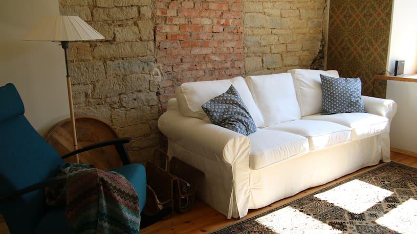 Cosy apartment in historic building - Kuressaare - Apartamento