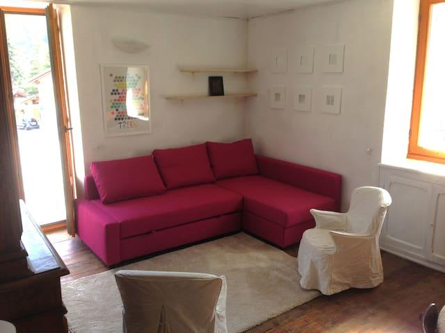 ALLOGGIO IN MONTAGNA SEMPRE AL SOLE - Cesana Torinese - Wohnung