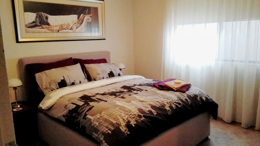 Situated at Base of Blue Mountains - Penrith - Apartemen