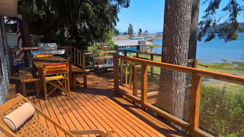 Hood Canal Beachfront A-Frame Cabin - Lilliwaup - Cabaña
