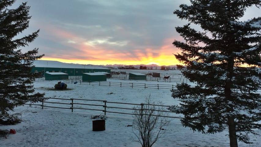 Country house with great views - Okotoks - Hus