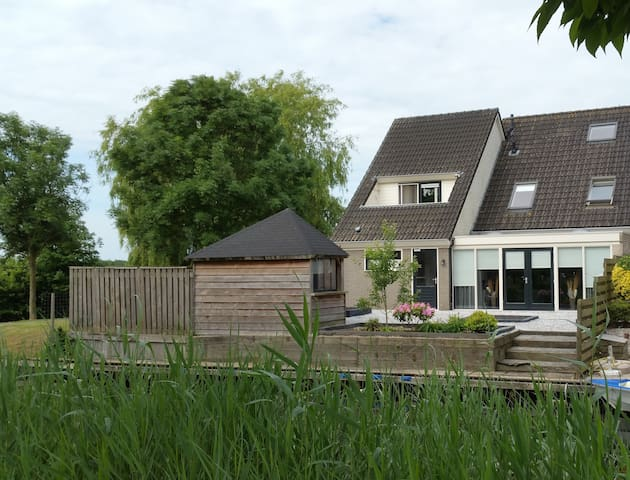 In the centre of Giethoorn a nice cosy room - 羊角村(Giethoorn)