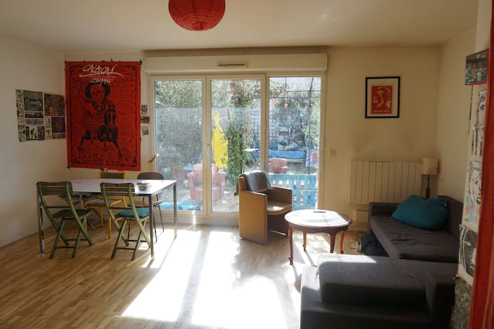 Cute flat, central Paris in 20 mins - Aubervilliers - Casa