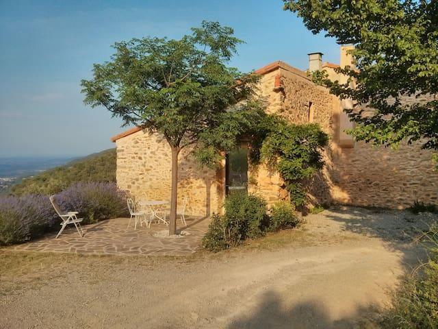 Gite pleine nature dans mas catalan - Reynes - Huis
