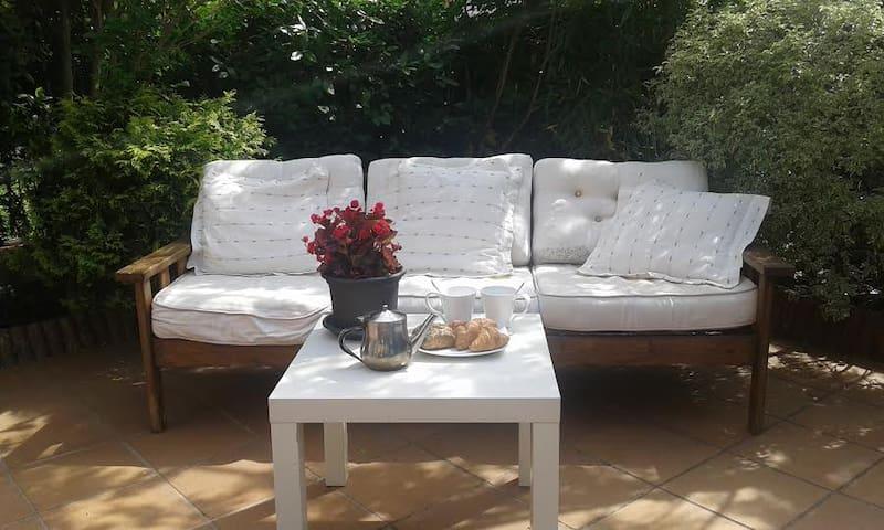 Habitacion privada, zona muy bonita de Olot - Olot - Casa