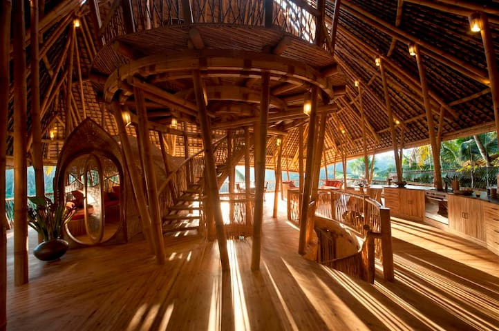 Stunning All Bamboo House by River - Abiansemal - Rumah