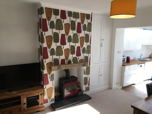 Modern, spacious 3 bedroomed house. - Hathersage - Casa