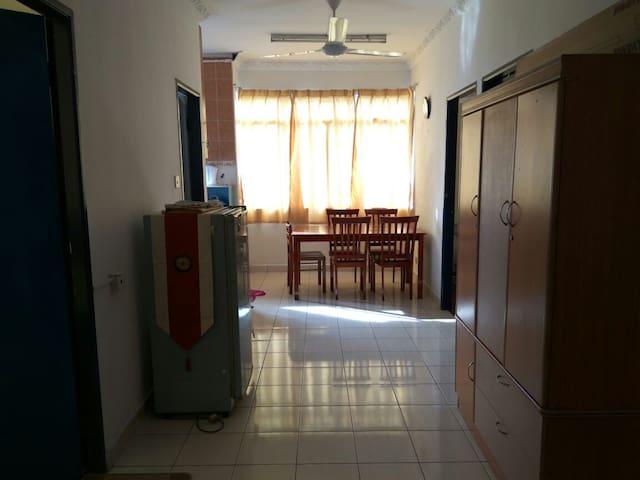 Homestay in University Apartment Kota Kinabalu - Tuaran - Appartement