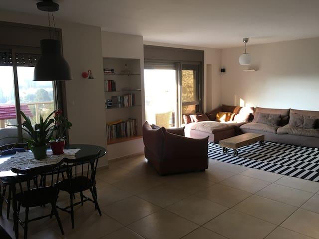 A Boutique Duplex- Astonishing And Unique View - Ness Ziona - Apartamento