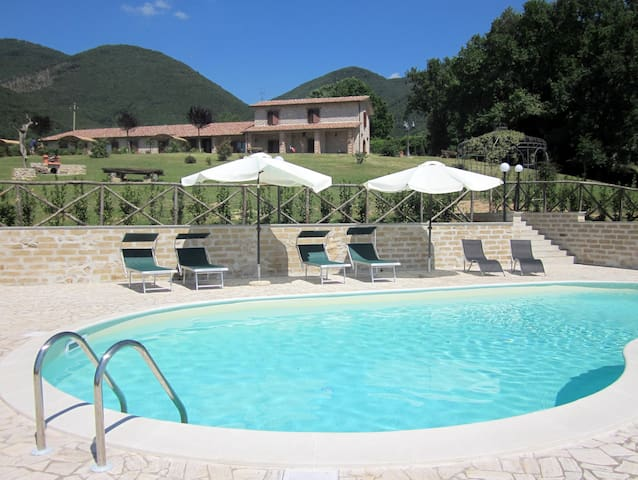 Cozy Apartments near Rome with pool - Casperia - Appartement