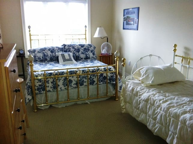 Immaculate, ground level Condo - Gravenhurst - 公寓