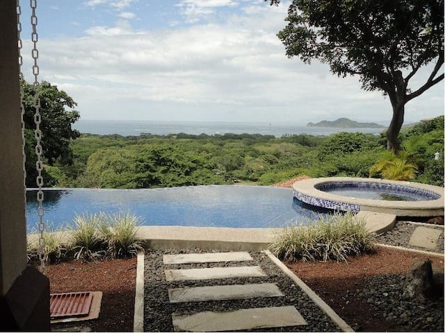 Villa with Unobstructed view - Playa Hermosa - Hus