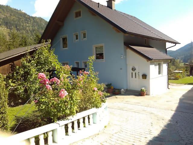 Gemütliche Ferienwohnung mit Spielplatz - Napplach - Appartement