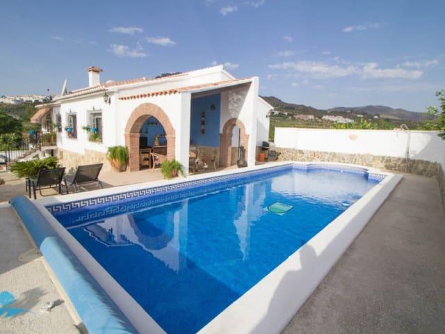 Villa with private pool & games/cinema room. - Álora - Villa