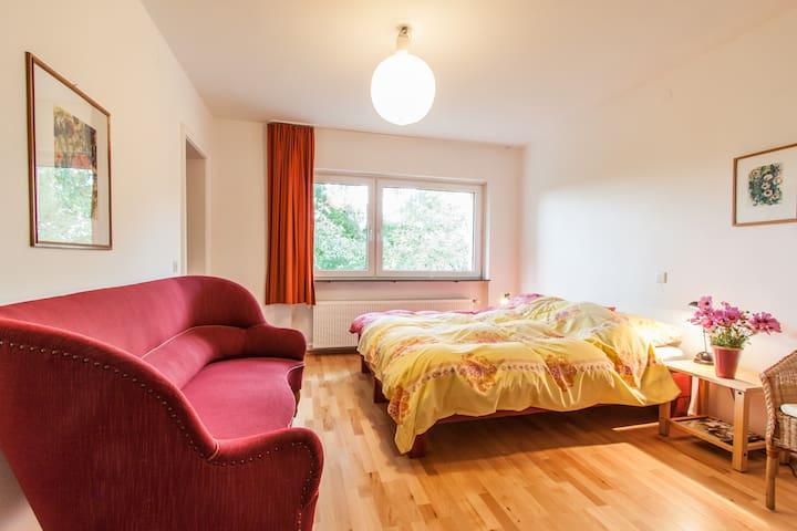 Haus im Grünen im Süden Würzburgs - Würzburg - Huis
