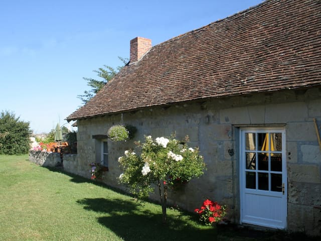 Loire cottage with river access - Chinon - Huis