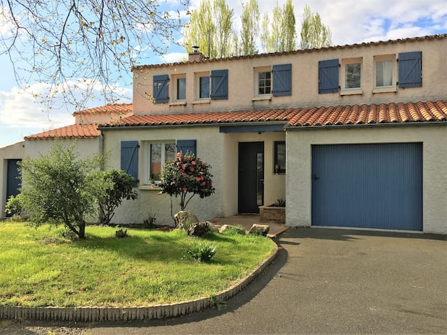 Grande maison proche Nantes Clisson - Vallet - Huis