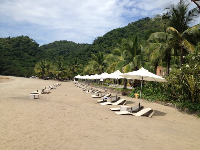 Nice 2-BR apartment for beach and nature vacation - Nasugbu - Daire