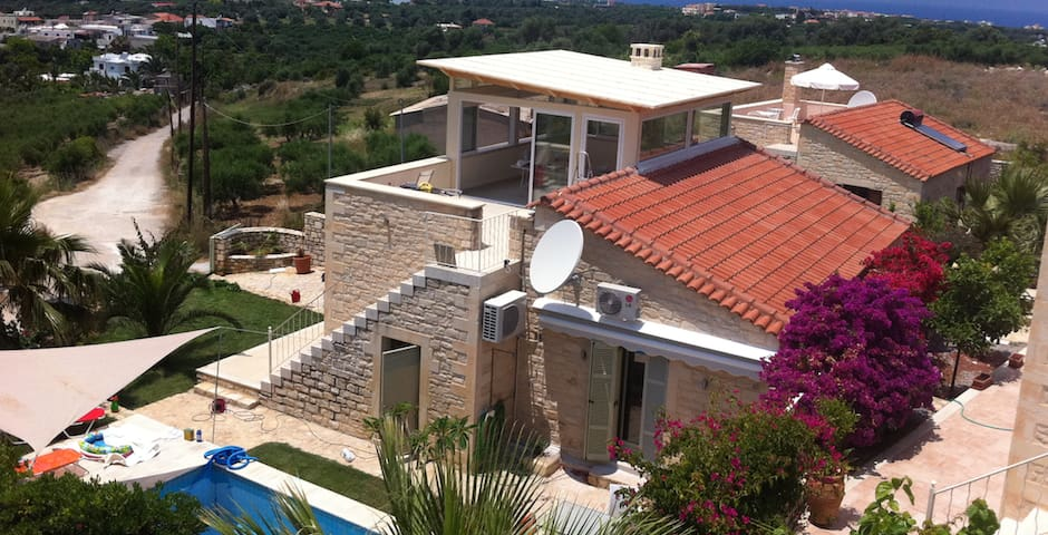 Stone Villa in small Village near Rethymno - Viranepiskopi - Casa