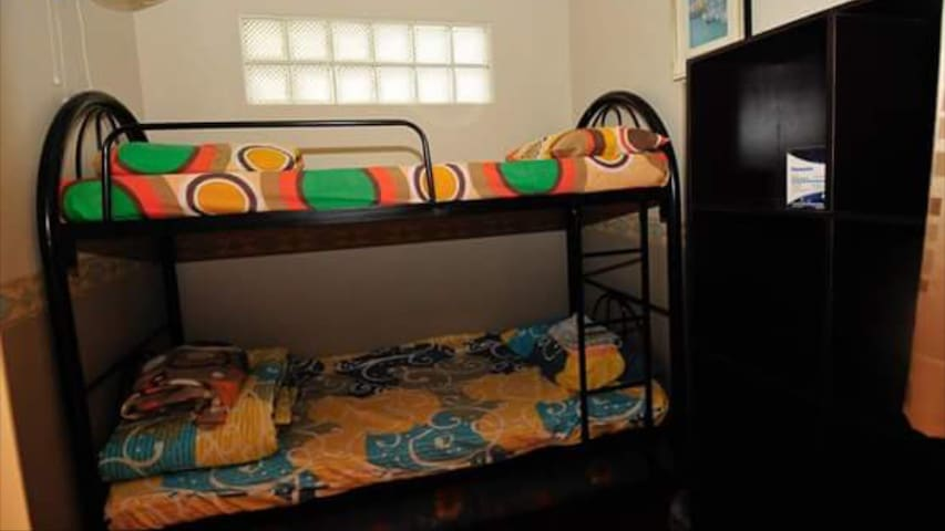 Bunk Beds #2 in a private Borneo beach apartment - Papar - Appartement