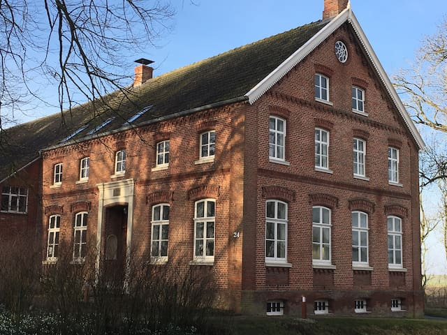 Exklusiver Gulfhof direkt am Deich - Krummhörn - Apartemen
