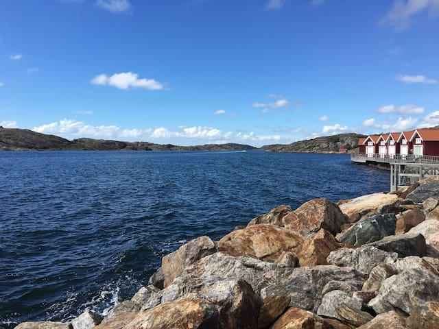 Vackert radhus vid havet - Skärhamn - Ev