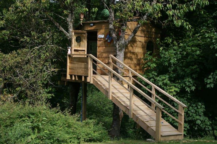 Three log cabins with WC and Sauna and Treehouse - Llanwddyn
