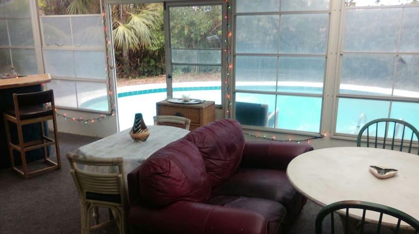 Peaceful Beachside Poolhome!! - Ormond Beach - Maison