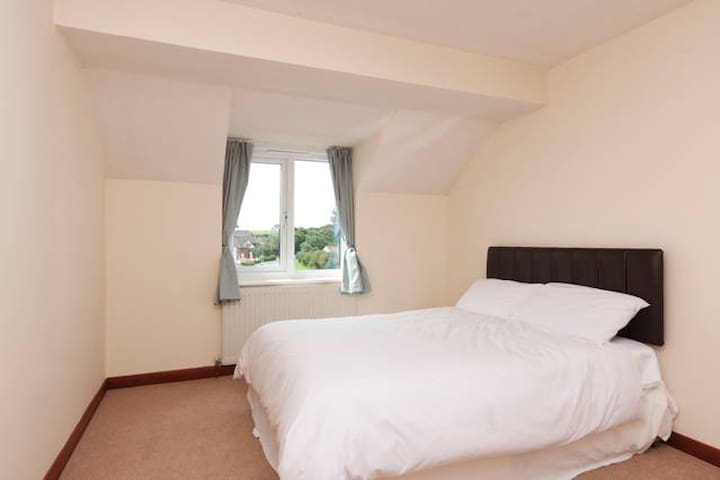 Double bedroom with own bathroom  - Plymouth - Casa