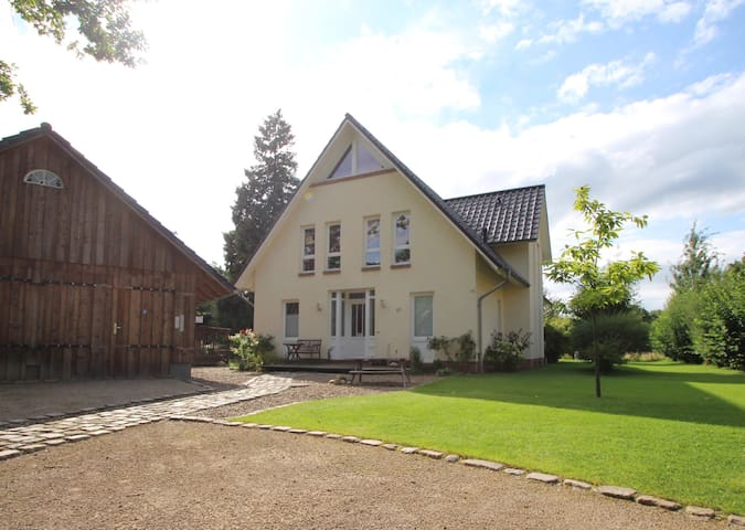 Stunning location close to Bremen - Ritterhude - Hus