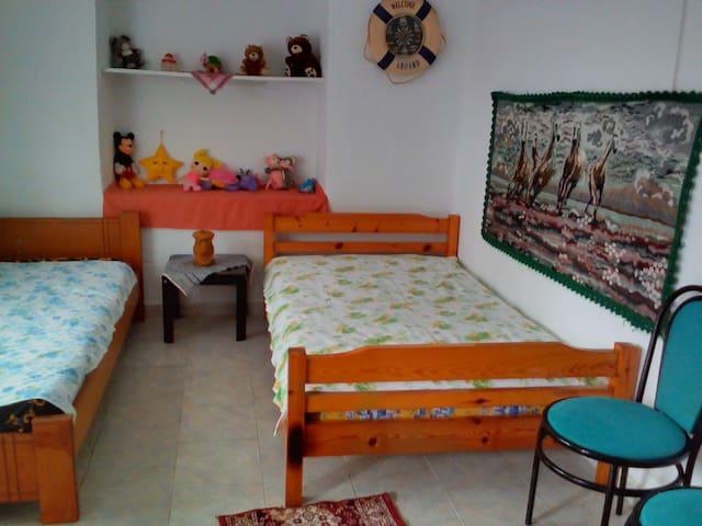 Μικρό σπίτι σε ελαιώνα - Platamon - Hus