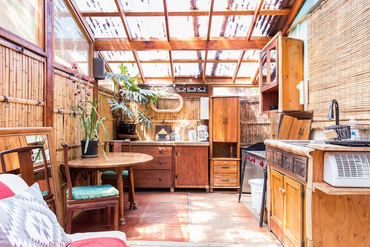 Organic Farm Private Guesthouse w/ Bamboo Kitchen - Ojai - Apartament