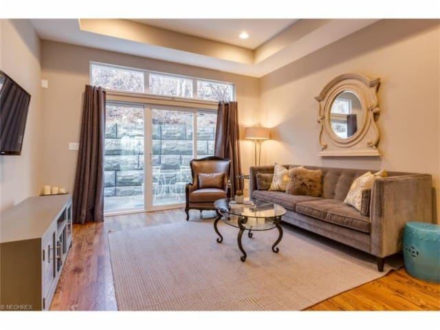 Modern townhouse in trendy Tremont - Cleveland - Townhouse