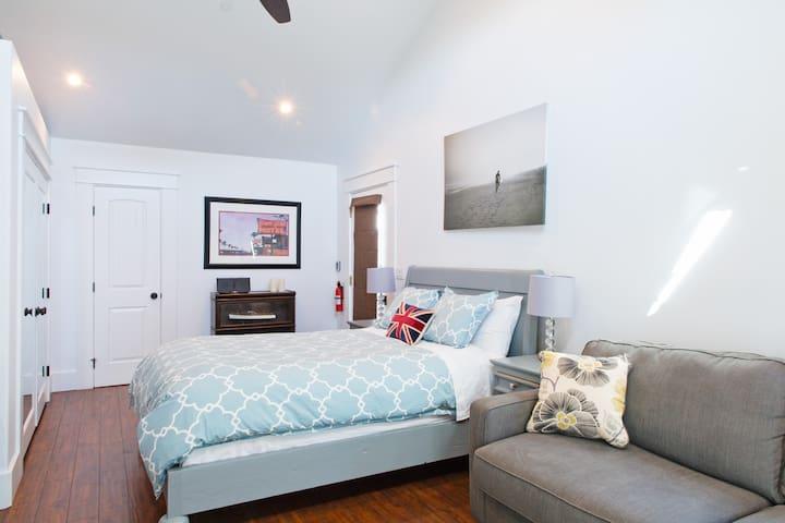Private Guest House, parking, 24 hr access, beach - Redondo Beach