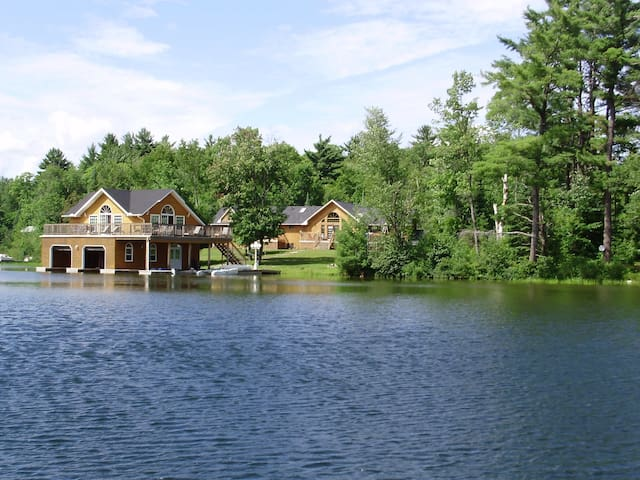 Lake Joe - 7 Bedroom Upscale Cottage. Quiet Bay. - Parry Sound - Cabaña