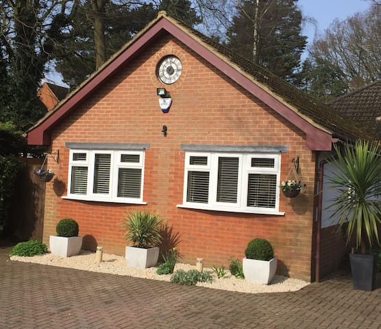 Modern, Luxurious, Executive Self Contained Annexe - Studham - Overig
