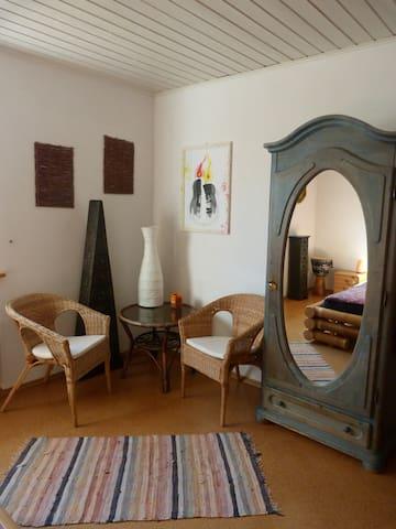 Schönes Zimmer bei Kassel mit Naturnähe - Habichtswald - Apartamento
