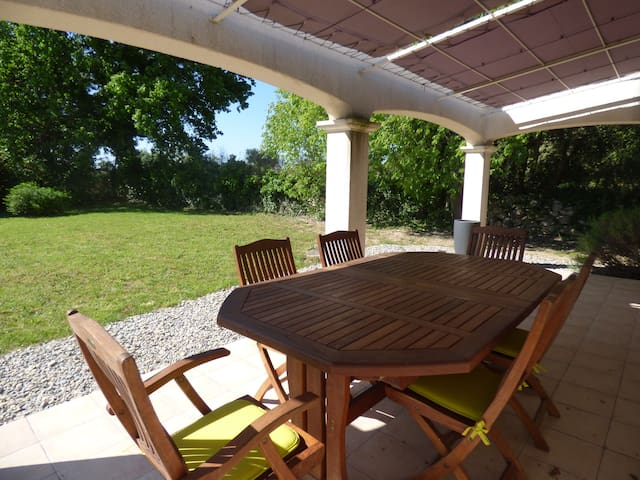 Villa avec jardin - Saussines - Rumah