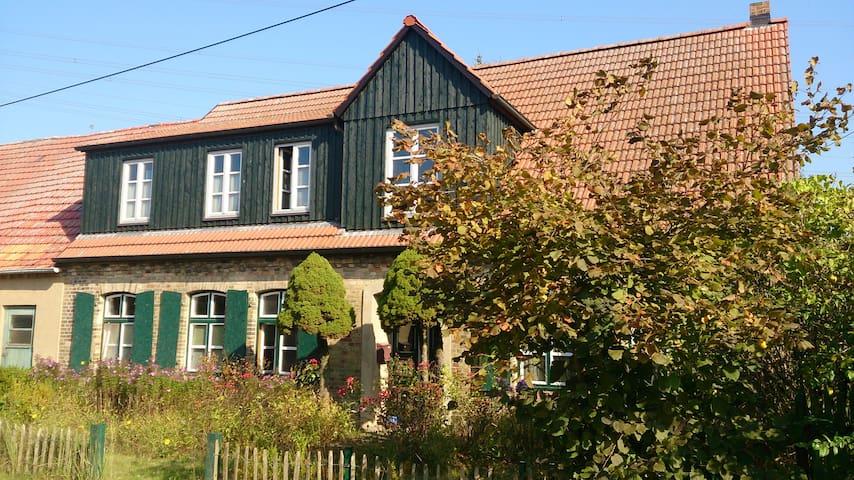 gemütliches Zimmer in Bauernhaus - Crivitz - Huis