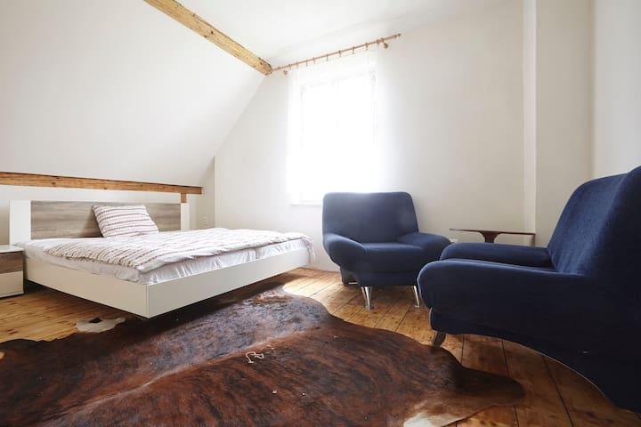 Room in original German house - Vrchlabí - Huis