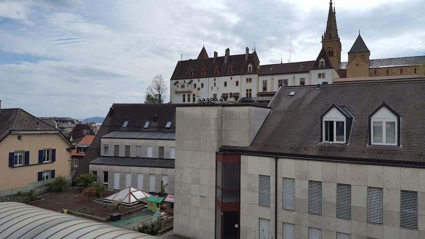 Vue sur le Château! - Neuchâtel - Leilighet