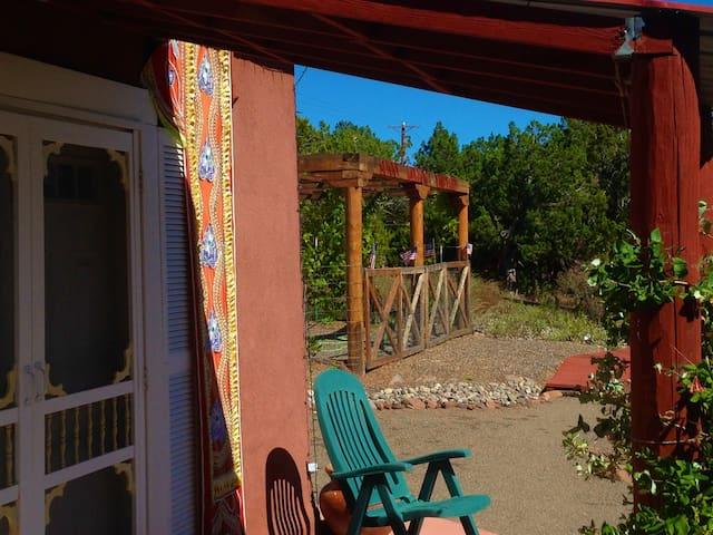Artista Del Sol Small House at Sunny Mellow Villa - Tijeras - Hus