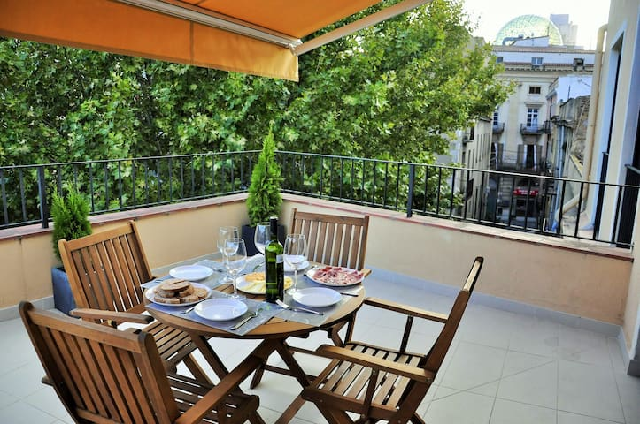 Apartment in the center town - Figueres - Huoneisto