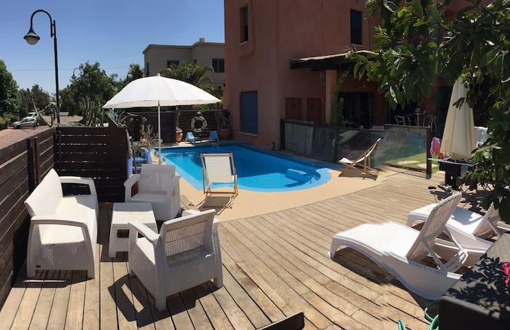 Beautiful luxury Mexican Villa & swimming pool - Bnei Zion - Huis