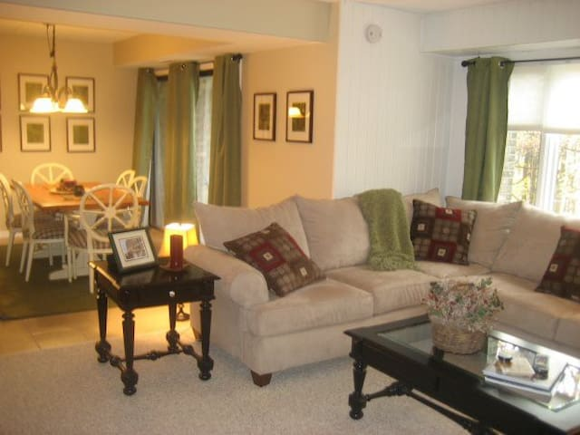 7 Springs Resort --- Great Condo, Great Price - Champion - Appartement en résidence