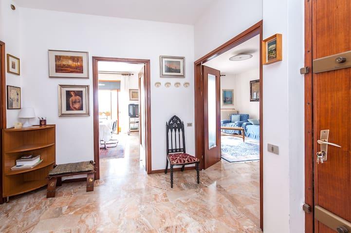 Big apartment near Bergamo. - Trescore Balneario - Leilighet