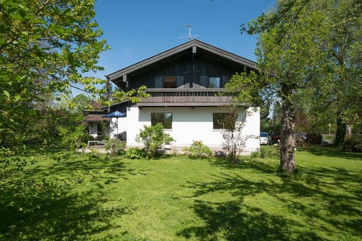 Ferienhaus im 3-Seengebiet in den Bayrischen Alpen - Hausham - Maison