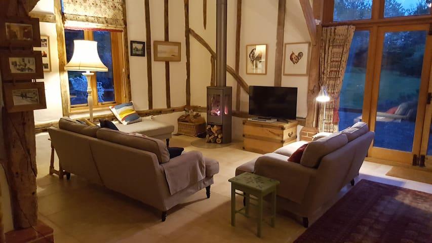 Beautiful Suffolk barn conversion and garden - Thelnetham  - Hus